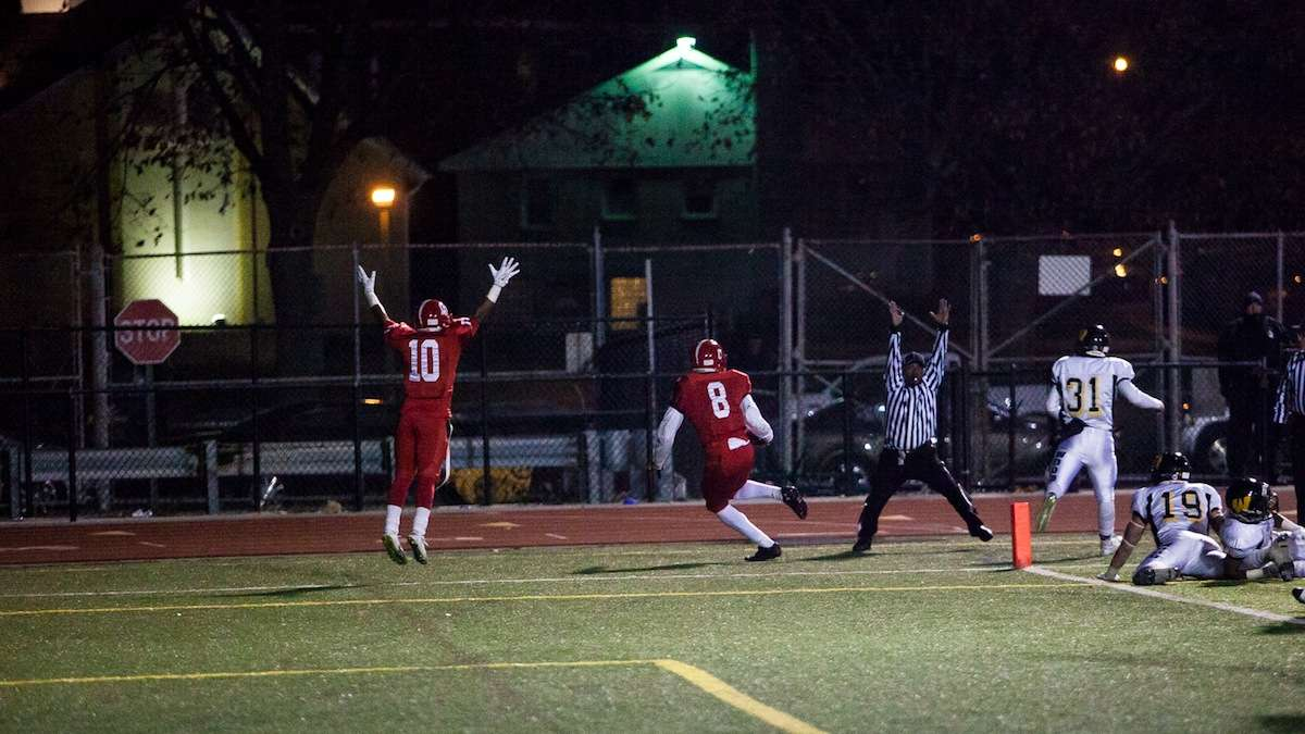 Naseir Upshur catches a touchdown pass in the third quarter. (Brad Larrison/for NewsWorks)