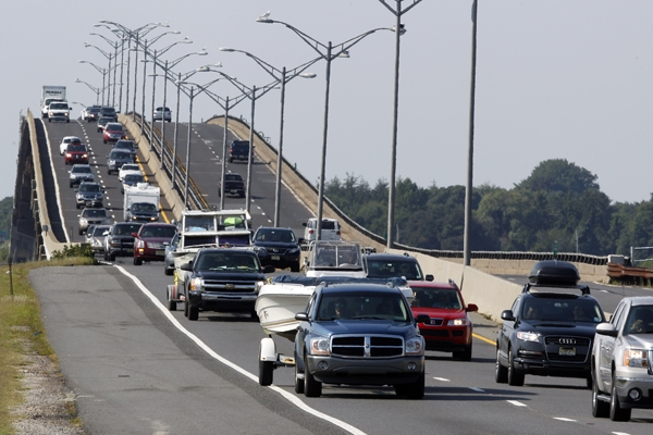 Traffic jams the Garden State Parkway across the Great Egg Harbor Bay Inlet Bridge near Ocean City, N.J. Southbound lanes are being closed below exit 98. (AP Photo/Mel Evans)
