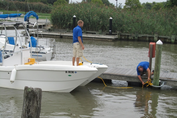 Some boaters at the Delaware City marina made last minute preps hoping for the best during Irene. (John Mussoni/For NewsWorks)