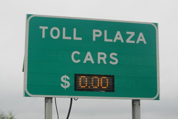 Governor Jack Markell waived all tolls on Delaware Route 1 to make sure people could evacuate the coastal areas quickly. (John Mussoni/For NewsWorks)