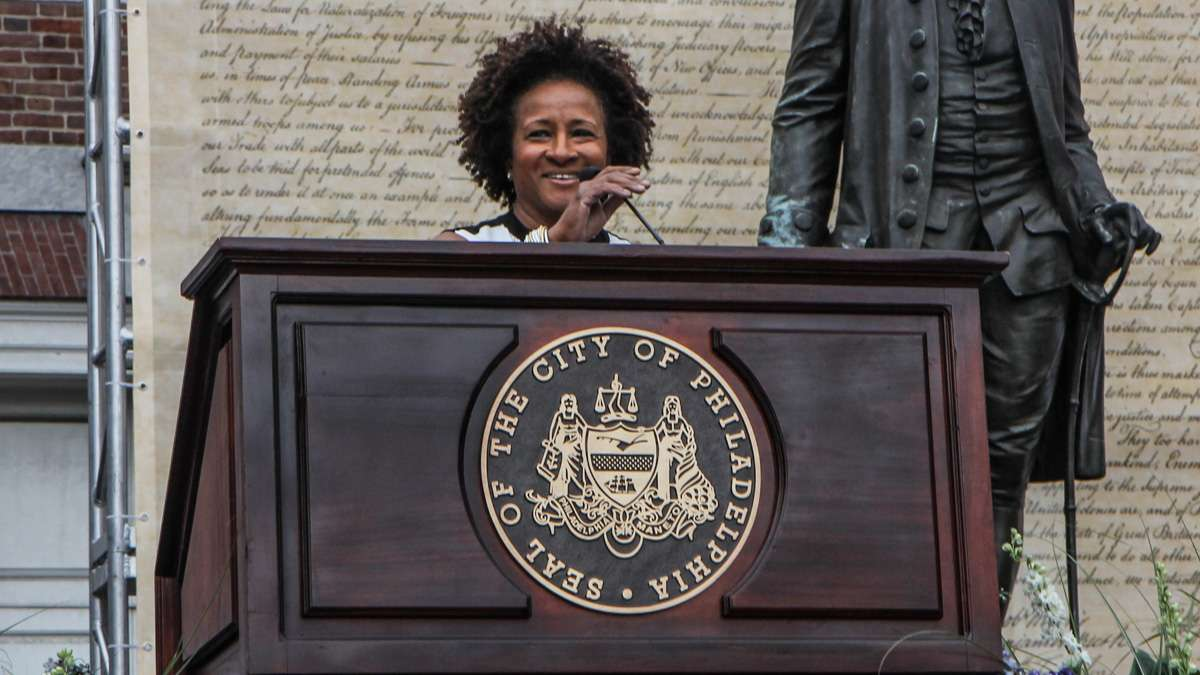 Wanda Sykes speaks about her experiences at Philadelphia's 4th of July celebration of the 50th anniversary of the LGBT civil rights movement. (Kimberly Paynter/WHYY)