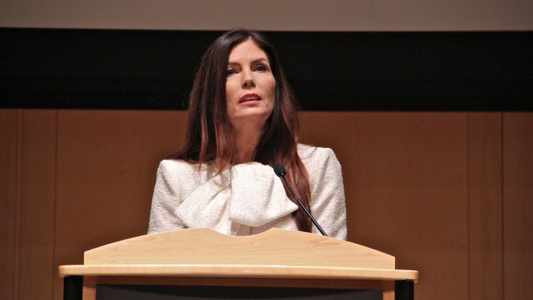 Pennsylvania Attorney General Kathleen Kane announces the appointment of independent counsel to investigate the transmission of pornographic and discriminatory emails by public officials. (Emma Lee/WHYY)