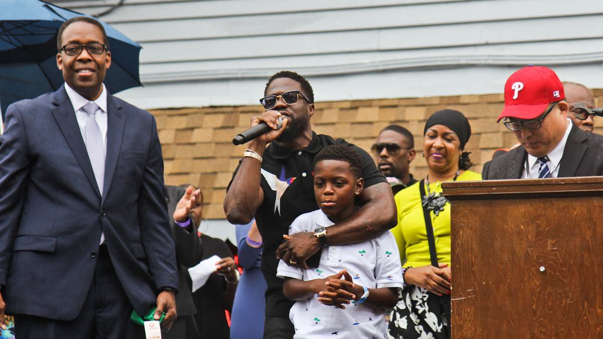 Kevin Hart and his son Hendrix thank the city and citizens of Philadelphia for their support.
