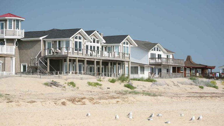 Living close to the ocean creates a financial risk to the homeowner and the community. (Photo from Shutterstock)