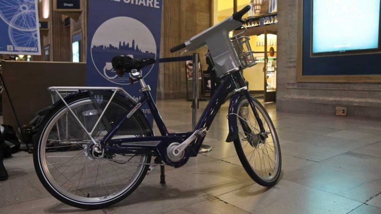 A typical Philadelphia bike share bicycle on display at 30th Street Station Thursday. (Kimberly Paynter/WHYY)