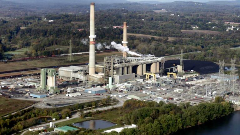Much of Delaware's air pollution comes from out of state. Brunner Island three-unit coal-fired plant located on the west bank of the Susquehanna River, is seen in York Haven, Pa. (AP Photo/Carolyn Kaster)
