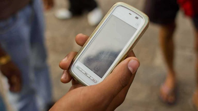 (Image courtesy of <a href='https://commons.wikimedia.org/wiki/File:Mumbai_Guy_on_phone_November_2011_-2-5_Closeup.jpg'>Wikimedia Commons</a>)