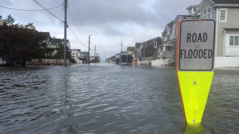 Tidal flooding in Stone Harbor in Feb. 2016 as photographed by Zeke Orzech (‏@Zeke_O via Twitter).
