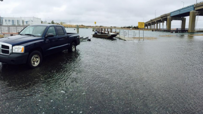 Minor tidal flooding at the Sea Isle City boat ramp in April 2014. (Photo: JSHN contributor Ben Wurst)