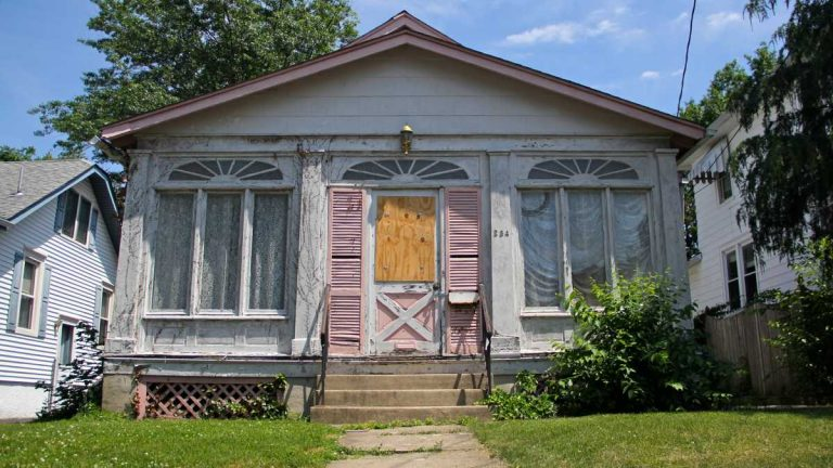 New Jersey is reviving a program to help prevent foreclosures. (Emma Lee/WHYY, file)