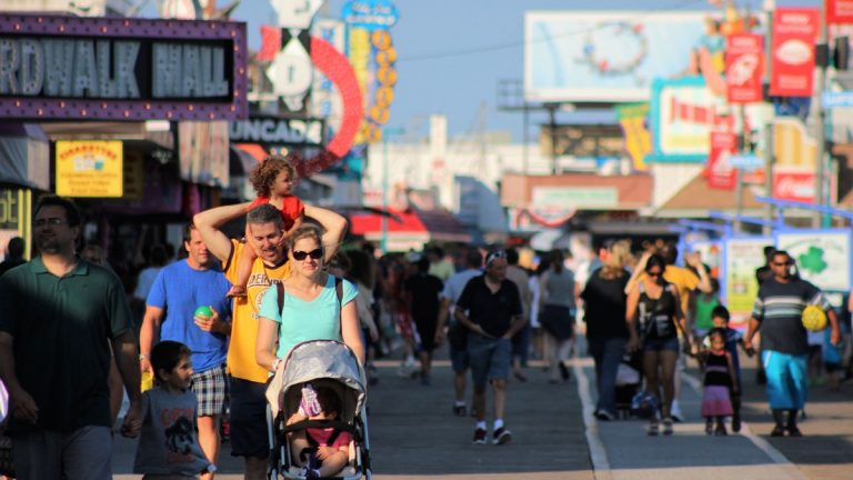 Crowded boardwalk in Wildwood, New Jersey. (Bill Barlow for WHYY)