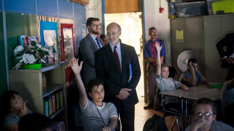 Governor Tom Wolf obvserves students during a visit to Baldi Middle School in Northeast Philadelphia (Brad Larrison for NewsWorks)