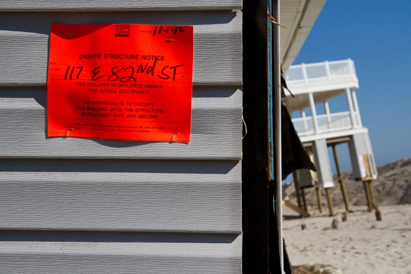 <p><p>Houses with an orange notice on Long beach Island are slated for demolition. (Lindsay Lazarski/WHYY)</p></p>