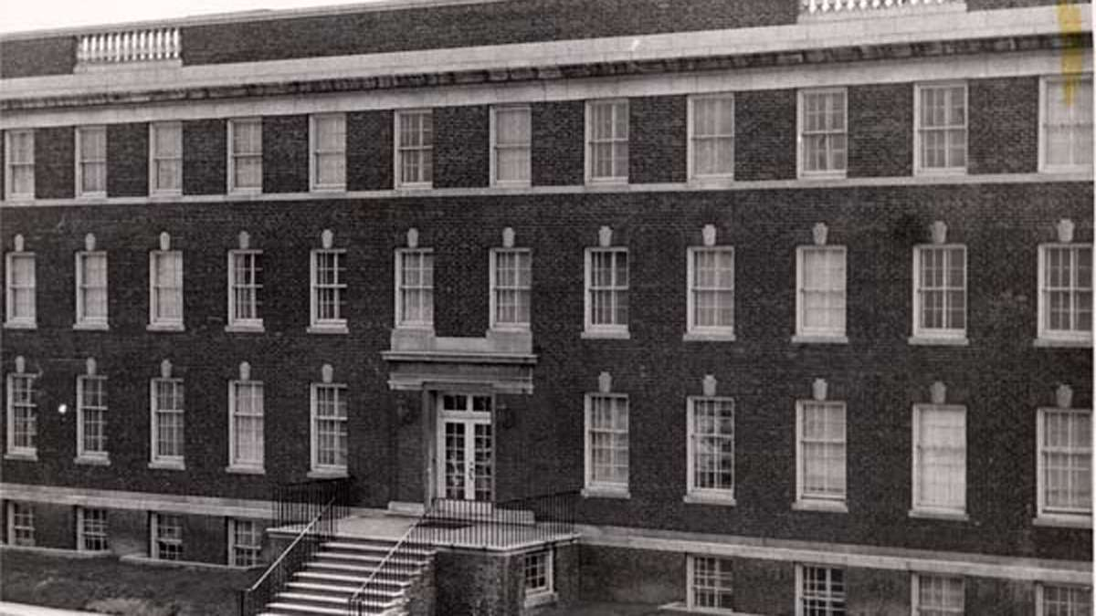 Mercy Hospital (later Mercy-Douglass) was housed in this structure from 1919-1948 and was located in West Philadelphia. A modern nine-story building replaced it in 1955. (Barbara Bates Center for the Study of the History of Nursing/http://www.pinterest.com/nursinghistory/mercy-douglass-son/)