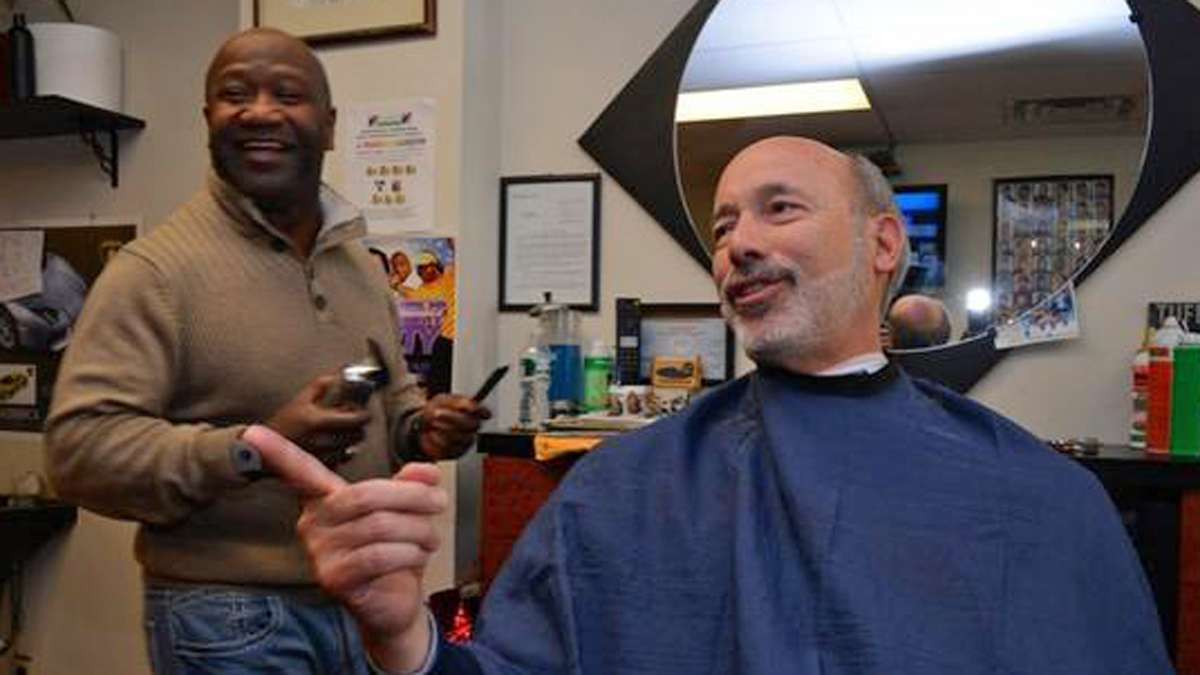 Candidate for Governor, Tom Wolf gets his hair cut in West Oak Lane on election morning (Bas Slabbers/for NewsWorks)