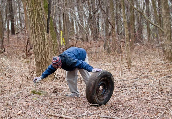 <p>&lt;p&gt;Glen Brixey, a volunteer and student from the University of Pennsylvania, removes a tire and picks up trash at Germany Hill Monday. (Brad Larrison/For NewsWorks)&lt;/p&gt;</p>