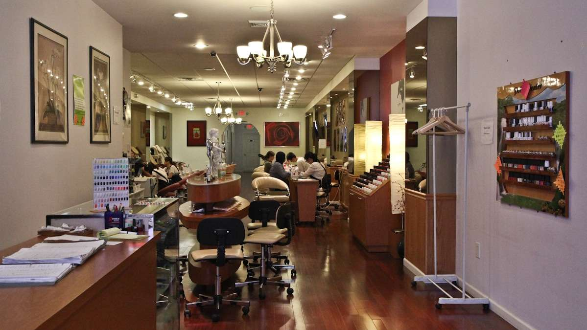 Allure Nail Salon in Center City is known for its cleanliness. (Kimberly Paynter/WHYY)