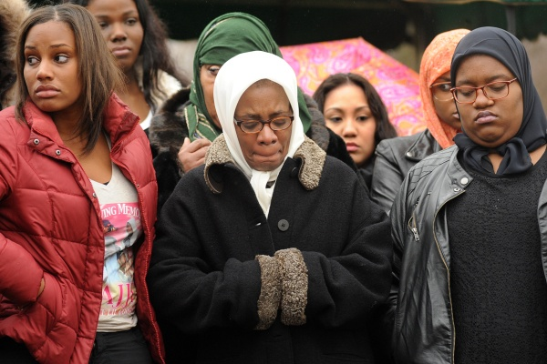 <p>&lt;p&gt;Leslie Glenn, Najji's mother, center, stands during prayer with Imani Glenn, left, and Lashawn Brown, Najji's fianc&#xE9;e who is six months pregnant. (Peter Tobia/for NewsWorks)&lt;/p&gt;</p>