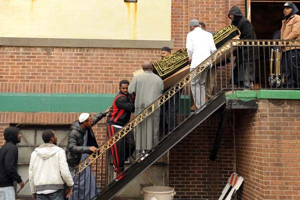 <p>&lt;p&gt;The casket is brought down the steps of the mosque by friends and relatives. (Peter Tobia/for NewsWorks)&lt;/p&gt;</p>