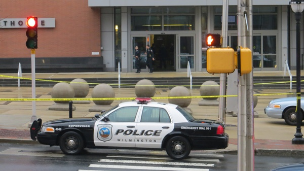<p><p>Wilmington Police work with Capitol Police to investigate the New Castle County Courthouse shooting. (Mark Eichmann/WHYY)</p></p>