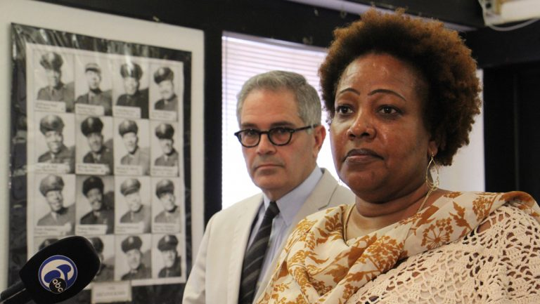 Guardian Civic League President Rochelle Bilal announces her organization's support for Larry Krasner for Philadelphia district attorney. (Emma Lee/WHYY)