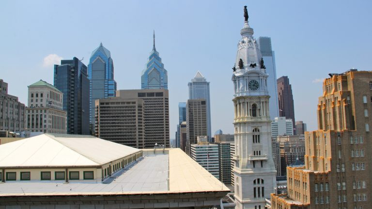 Volunteers who help out at the Democratic national convention will help delegates and other visitors get to know Philadelphia. (Emma Lee/WHYY)