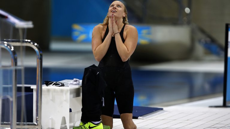 Team USA's Jessica Long reacts after wining the Women's 100m Butterfly S8 category at the 2012 London Paralympic Games. (AP Photo/Emilio Morenatti)