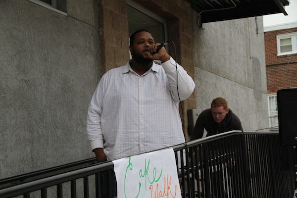 "<p><p>Antoine ""Toff"" Barnes sings two positive songs to the crowd. (Trenae V. McDuffie/for NewsWorks)</p></p>"
