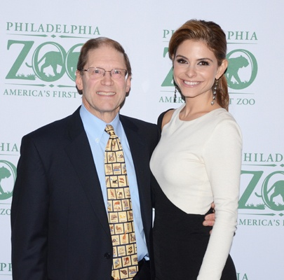 "<p><p>Philadelphia Zoo board chair, Jay H. Calvert, Jr. and gala host Maria Menounos of NBC's ""Extra"" (Photo courtesy of HughE Dillon)</p></p>"