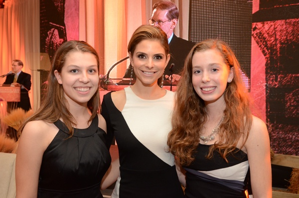 "<p><p>Gala host Maria Menounos (center) of NBC's ""Extra,"" with Girl Scouts, Rhiannon Tomitshen and Madison Vorva, winners of the Philadelphia Zoo's Emerging Conservation Leadership Award (Photo courtesy of HughE Dillon)</p></p>"