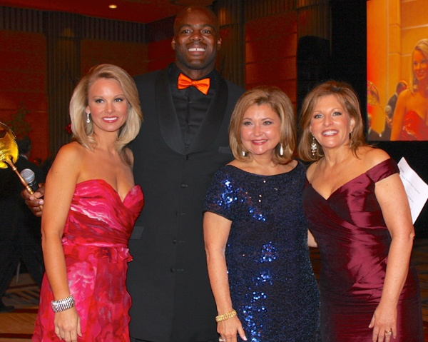 <p><p>Former Philadelphia Eagle Tra Thomas with Susan Barnett (left), Pat Ciarrocchi and Stephanie Stahl, all of Eyewitness News on CBS 3/The CW Philly (Photo courtesy of Dr. Kurt Bomze)</p></p>