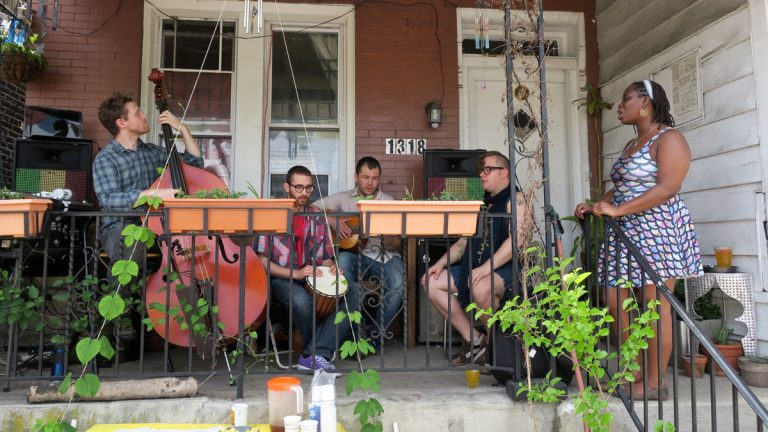 The Settled Arrows perform during the 2016 West Philly Porchfest. (Ross Hoffman)