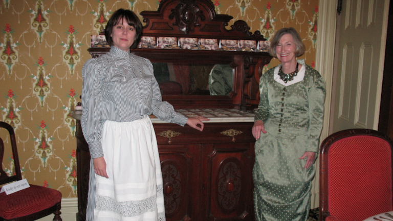 Jennifer Hallgren (left) and Joan Mount of the Upstairs Downstairs tour. (Alaina Mabaso/for NewsWorks)