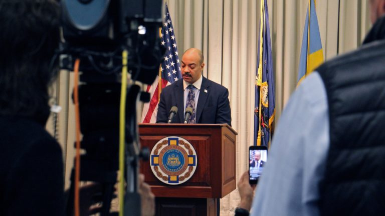 In this file photo, Philadelphia District Attorney Seth Williams announces that he will not run for re-election. (Emma Lee/WHYY)