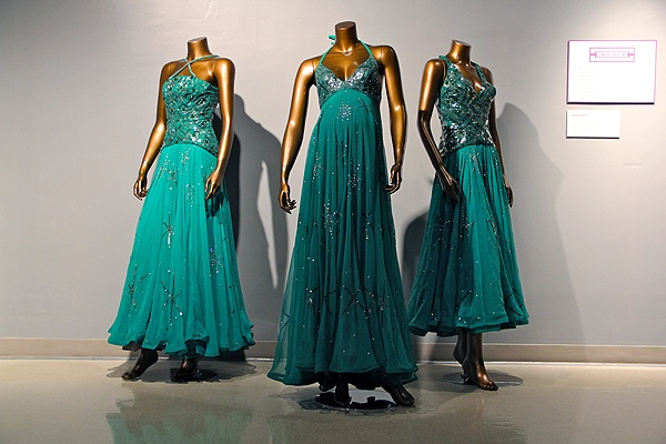 <p>Mary Wilson wore this Sequined emerald-green chiffon maternity gown on the Merv Griffin Show in 1974. (Emma Lee/for NewsWorks)</p>