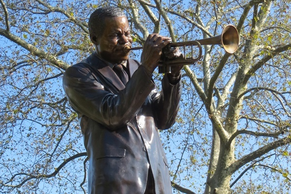 <p><p>Clifford Brown statue unveiled</p></p>