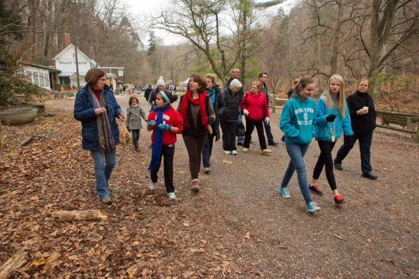 <p><p>Trish Fries of the Wissahickon Environmental Center takes visitors on a nature walk along the Forbidden Drive for the Winter in the Wissahickon event hosted by the Friends of the Wissahickon. (Dave Tavani/for NewsWorks)</p></p>
