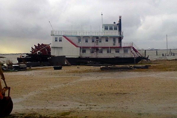 <p>&lt;p&gt;&lt;span style=&quot;color: #dedbd7; font-family: Arial, Helvetica, sans-serif; background-color: #403f41;&quot;&gt;A paddle-wheel boat beached in Somer's Point the morning after Hurricane Sandy made landfall in New Jersey, Tuesday, October 30, 2012. (Tom MacDonald/WHYY)&lt;/span&gt;&lt;/p&gt;</p>