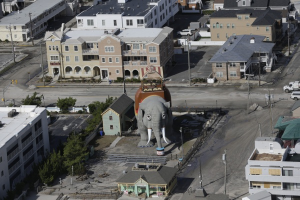 <p>&lt;p&gt;Lucy the Elephant in Margate, N.J. got her feet wet but she sustained no structural damage. (AP Photo/Mike Groll)&lt;/p&gt;</p>