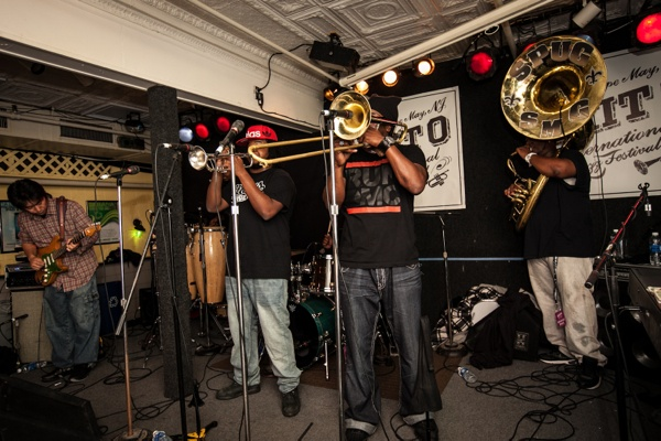"<p>The New Orleans band ""Stooges"" entertain a packed house and had people dancing all night long. (Howard Pitkow/for Newsworks)</p>"