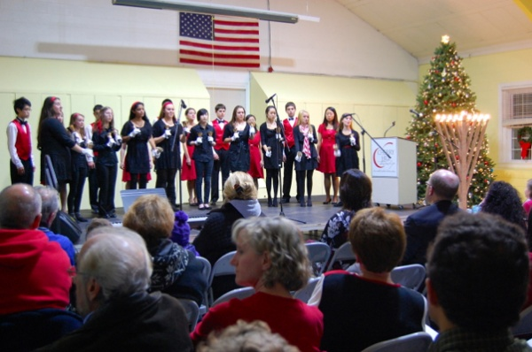 <p>East High School, Belles of East and the Madrigals spread the holiday cheer with classic Christmas tunes (Natavan Werbock/for NewsWorks)</p>
