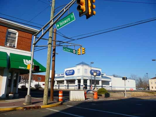 <p>&lt;p&gt;This Rite Aid is inside the evacuation zone and was closed on Wednesday. (Alan Tu/WHYY)&lt;/p&gt;</p>