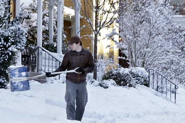 <p><p>Eric Weir shovels snow Sat, Feb. 9, 2013, near Newtown, Pa. (AP Photo/Mel Evans)</p></p>
