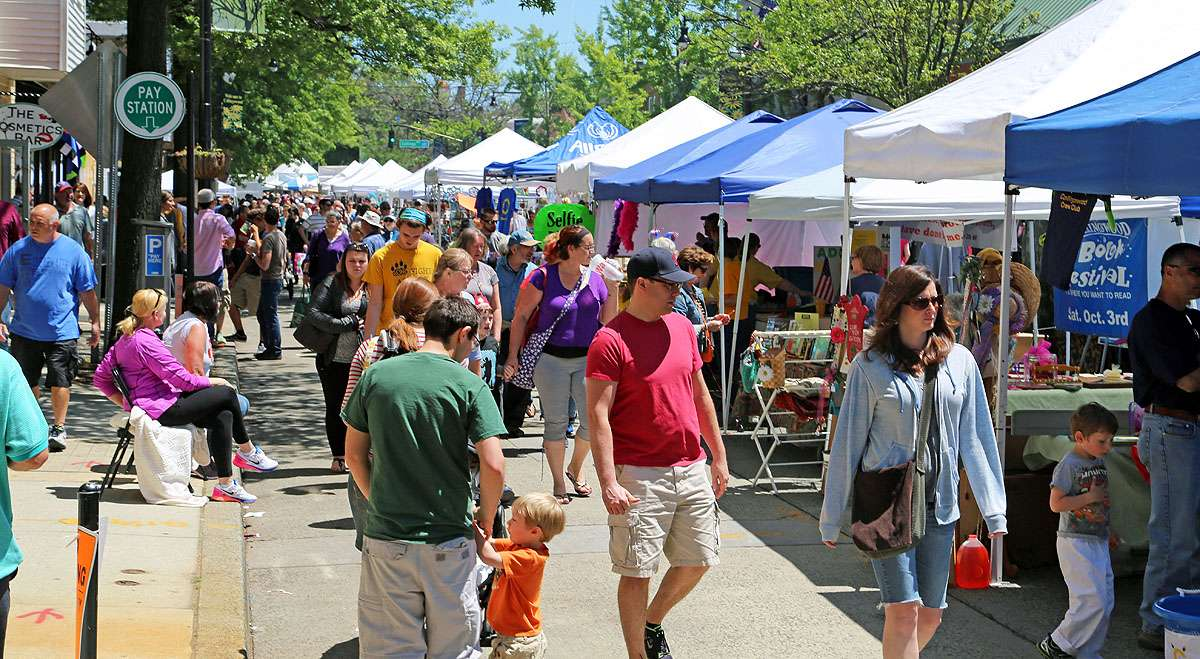 The Collingswood May Fair is large event drawing thousands of people. (Natavan Werbock/for NewsWorks, file)