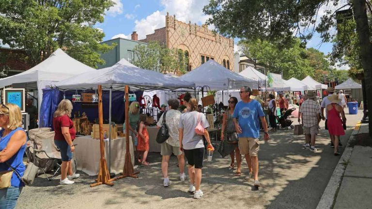 The Collingswood Crafts and Fine Arts Festival is held each year in August on Haddon Ave. (Natavan Werbock/for NewsWorks)