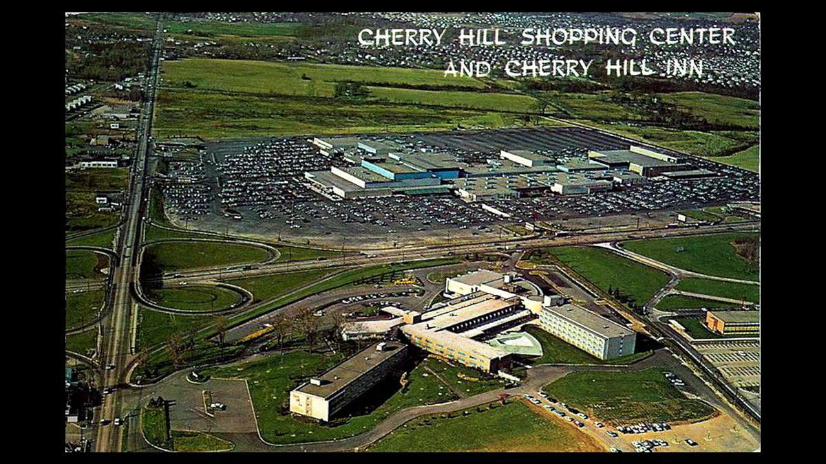 Cherry Hill Shopping Center (later renamed Cherry Hill Mall) with the Cherry Hill Inn in the foreground. (Image courtesy of the Cherry Hill Historical Commission)