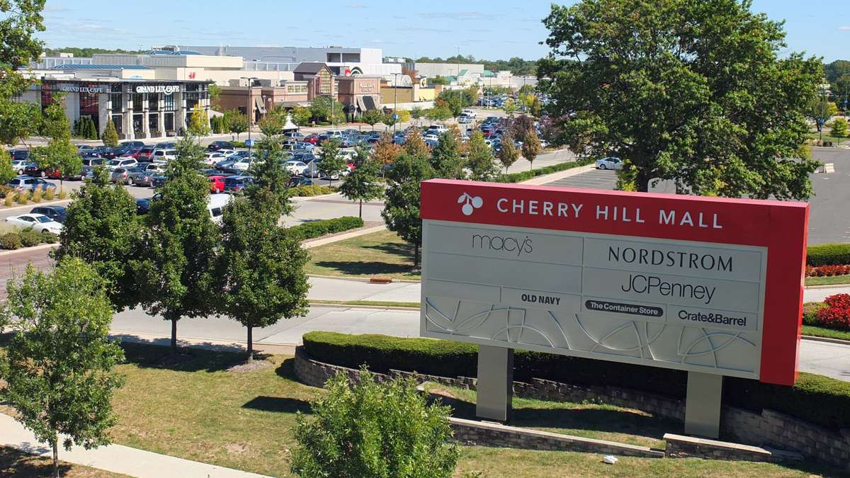 The Cherry Hill Mall as seen in 2015. (Alan Tu/WHYY)