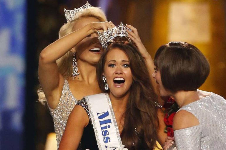 Miss North Dakota Cara Mund reacts after being named Miss America Sunday in Atlantic City in 2017. (AP Photo/Noah K. Murray)