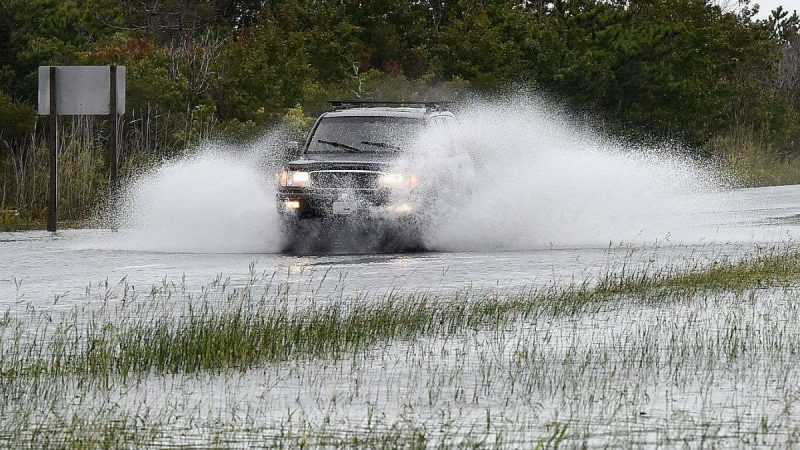 Dune breach floods Delaware highway (Chuck Snyder for WHYY)