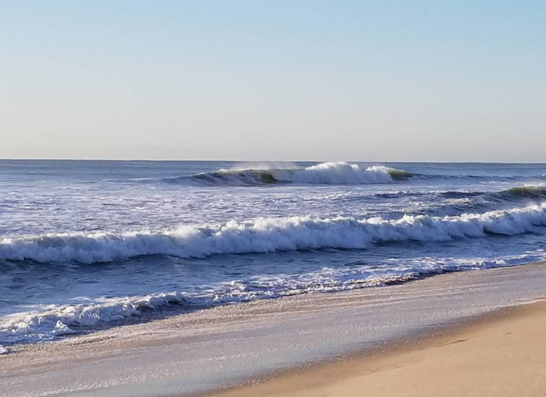 Waves at the Jersey Shore this morning. (Photo: @barrierislandclassic via Instagram)